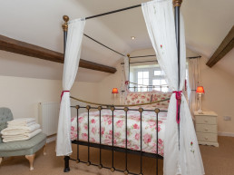 Visit England four star gold holiday cottages | Patson Hill